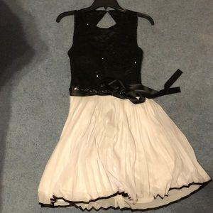 Dresses & Skirts - Black and white formal dress